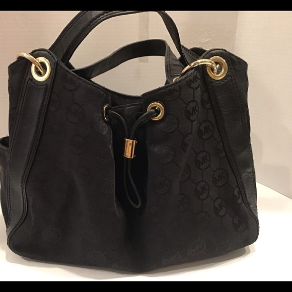 Michael Kors Handbags - Michael Kors Black Ludlow Purse